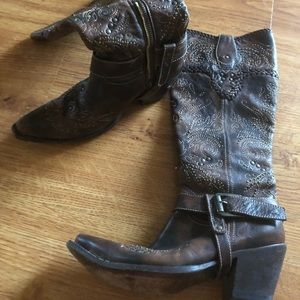 Corral boots 8.5